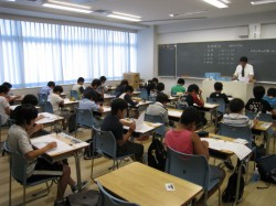 第2回 東海・滝・南女模試 グループ別志望校模試 実施風景2